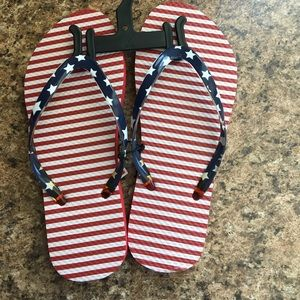 Shoes - American flag flip flops size 7/8